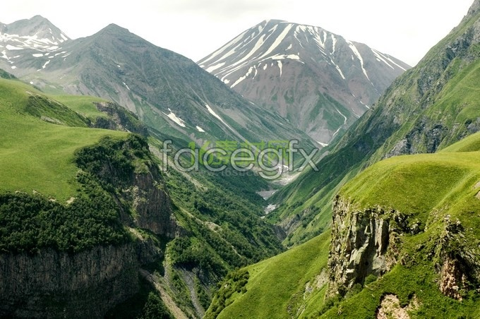 Beautiful scenery of the mountains high definition pictures