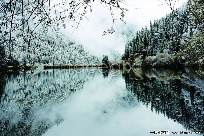 Winter snow Lake high definition pictures