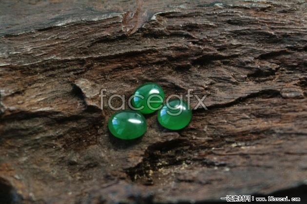 Emerald HD picture