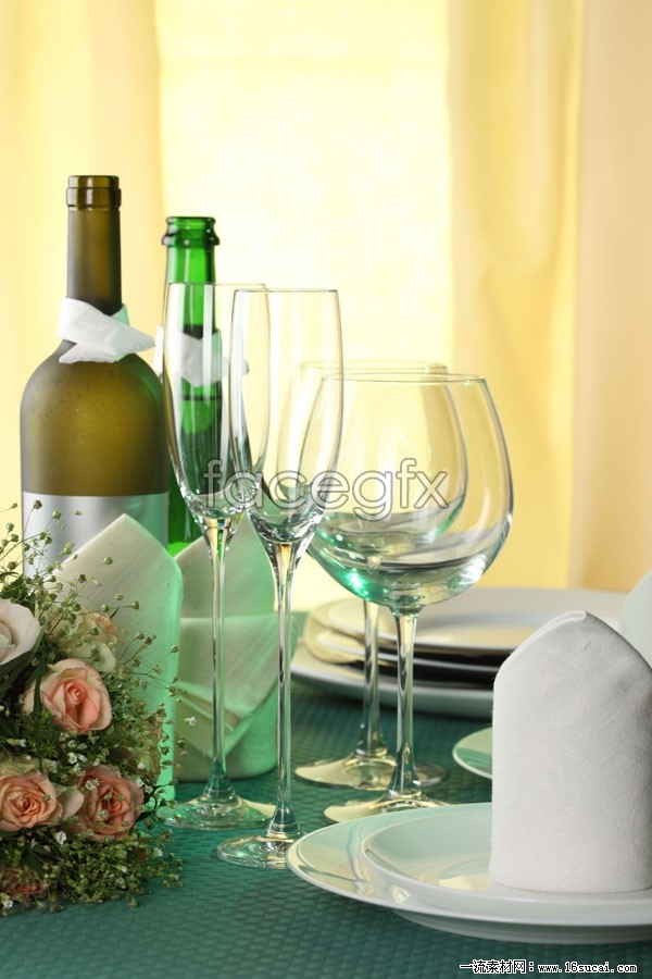 Wine goblet high definition pictures