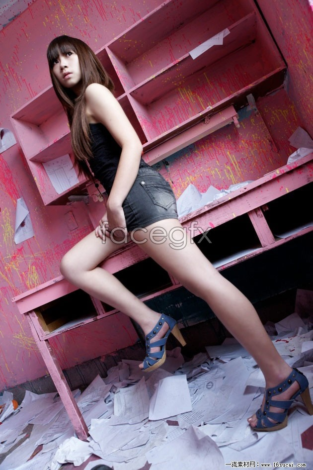 HD non-dominant leg beauty pictures