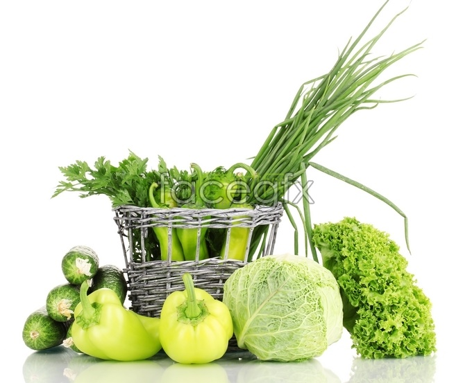 Green vegetables such as green peppers, cabbage, onions, fresh high definition pictures