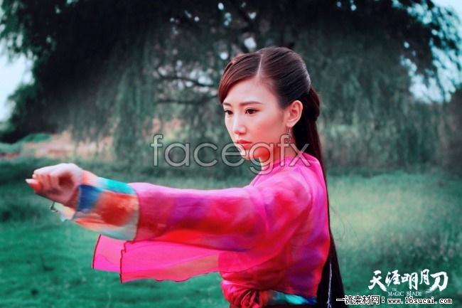 Mao Xiaotong costume pictures desktop wallpaper