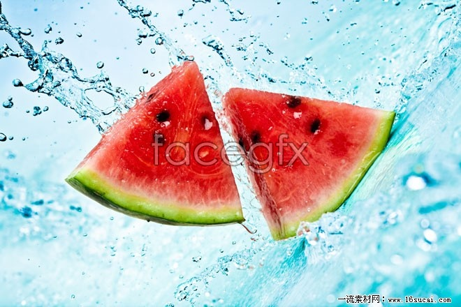 Watermelon slices in water high definition pictures