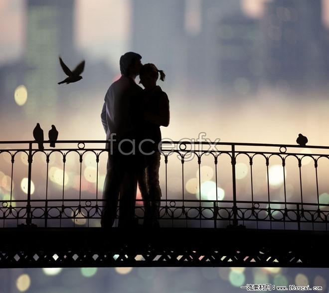 Romantic couple HD picture on the bridge
