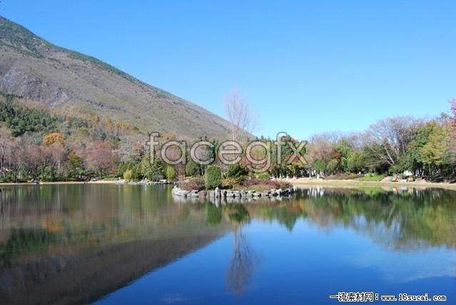Download HD color pictures by the Lake