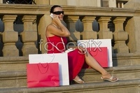 Sitting on the steps in the classical shopping return beautiful HD pictures