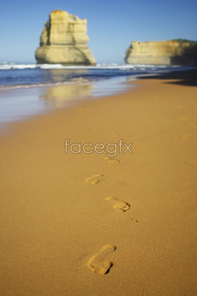 Footprints in the sand by the sea pictures that are not mainstream
