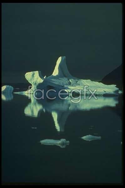 Ice 569