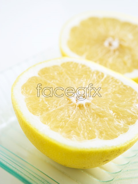 Cut lemon close-up picture