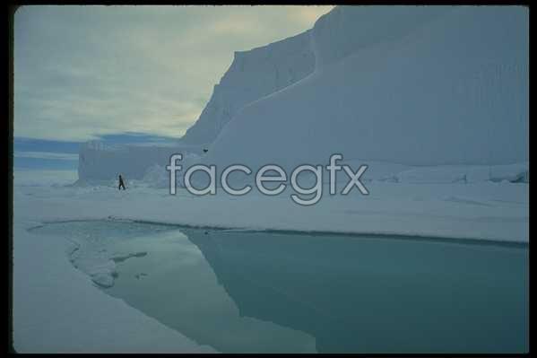Ice 589