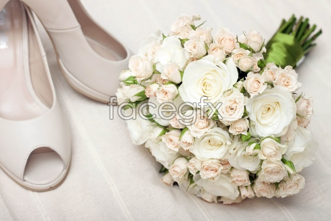 Bouquets of white roses pictures